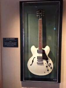 alex-lifesonギター